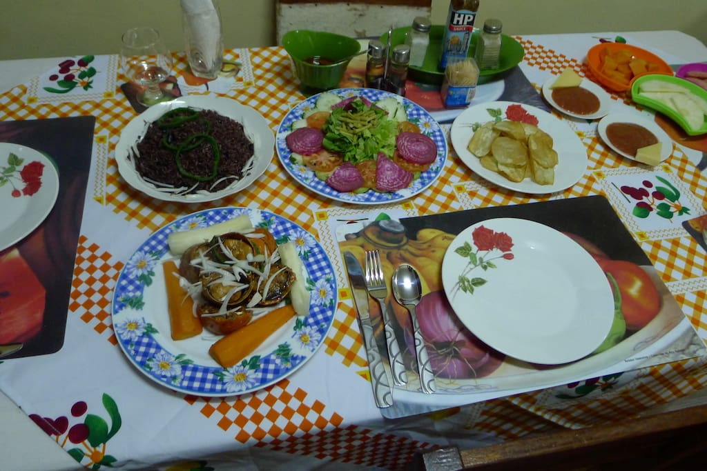 Aqui tienen una cena maravillosa