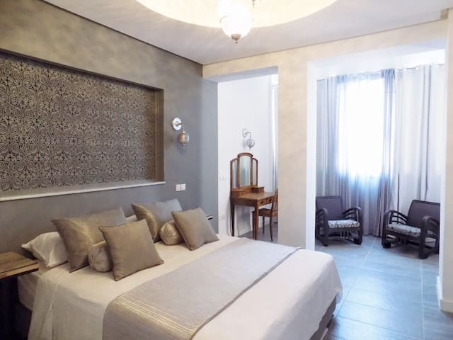 Comfortable, Spacious 2 bdrm Apt in Central Gueliz - Marrakech - Apartment