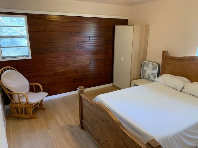 Sunny Treehouse Calm room with shared bath