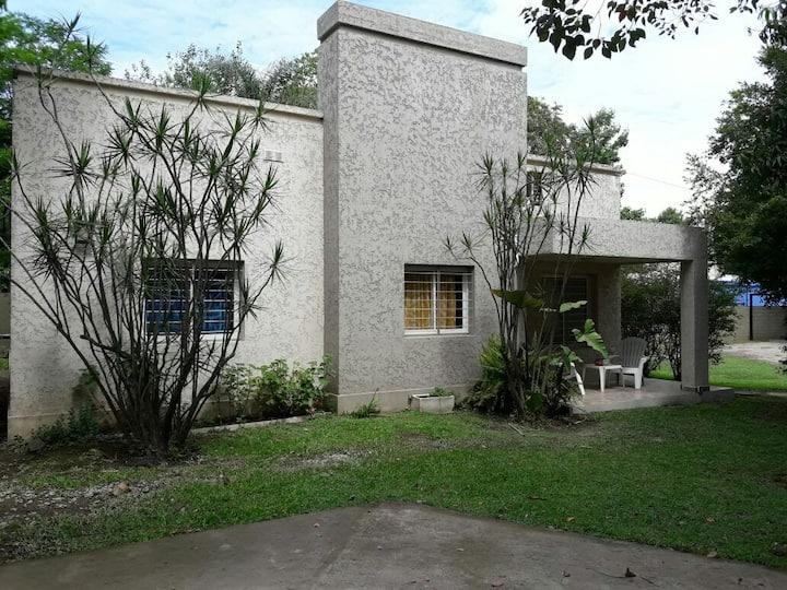 Casa Emilia. 3 dormitorios en Yerba Buena, Tucumán