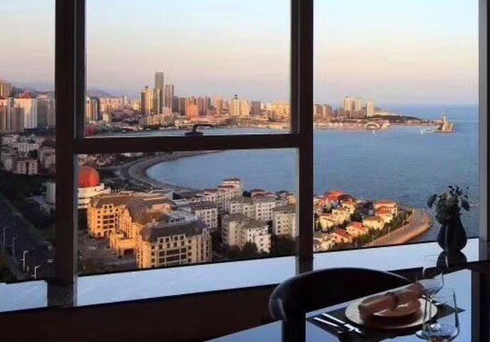 青岛市政府八大关旁千万豪宅万丽海景二居海景套房