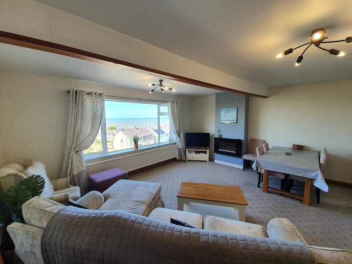 Brig-y-Don • Sleeps 5, Superb views of Aberaeron