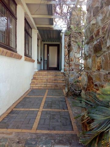 Hallack Manor