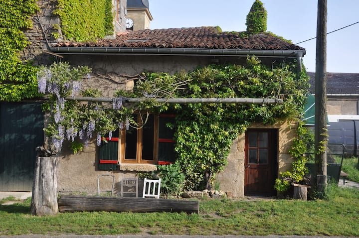 Lovely little house in rural France