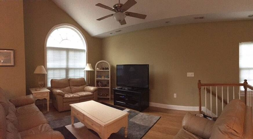 Gated Community Minutes to the Beach - North Myrtle Beach - Apartment