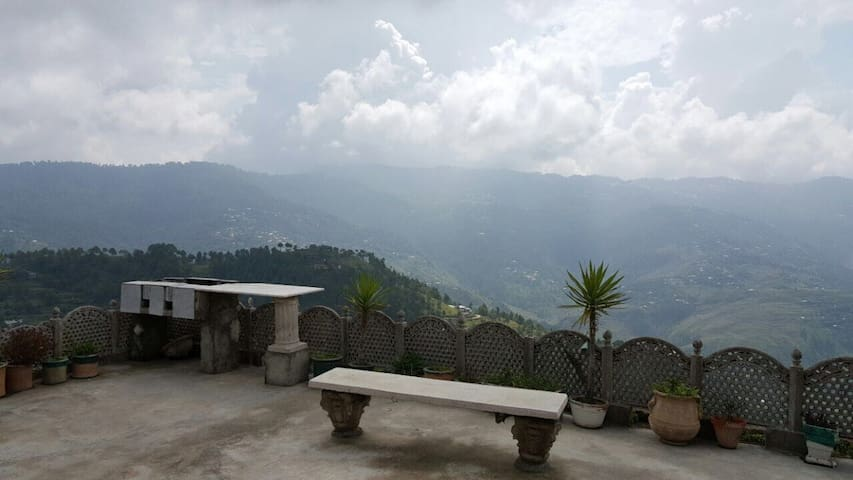 Beautiful Guest House For Family At Murree.