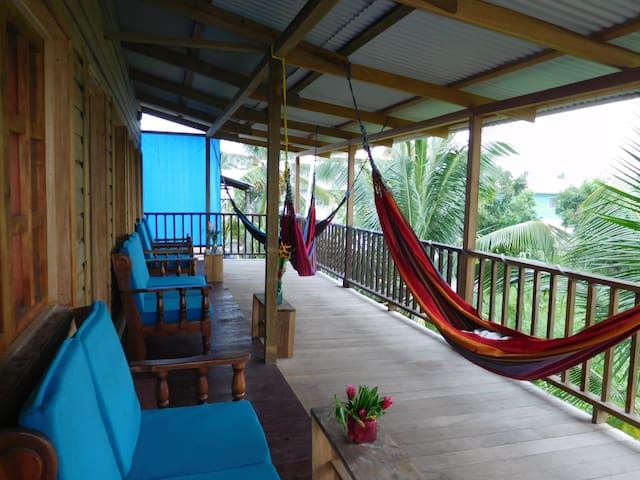 ValeriEmanuel Triple room! - Bocas del Toro Province - Huis