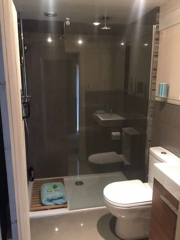 Bathroom - walk in shower