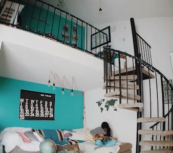 Spacious, cozy loft apartment - 웨스트민스터(Westminster)