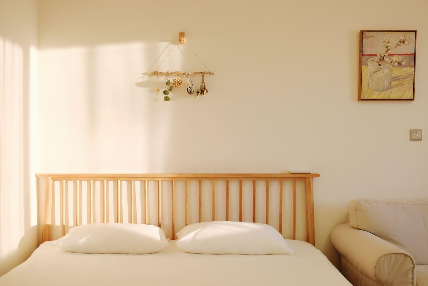 1.8米白橡木双人床,本白色水洗棉床品
