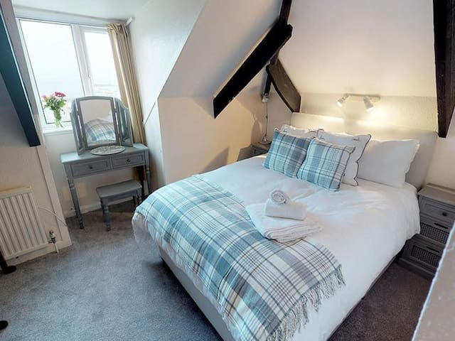 The Crows Nest +1 bed-Loft-Ensuite