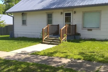 Small Town Family Friendly Bungalow (House)