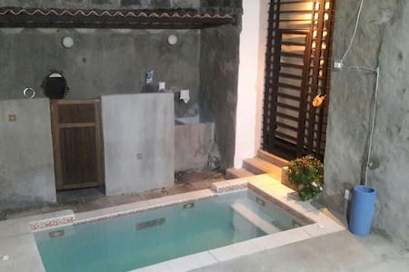 Expectacular Casa Colonial/Piscina - Honda