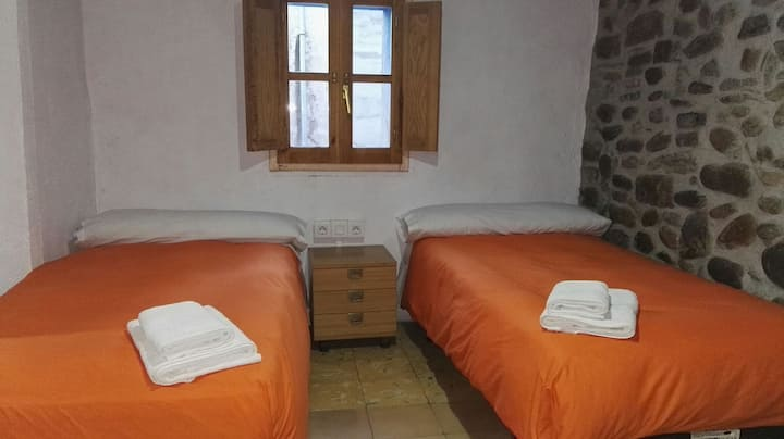 Habitación doble  baño propio casa rústica centro
