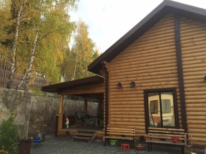 Уютный дом с баней