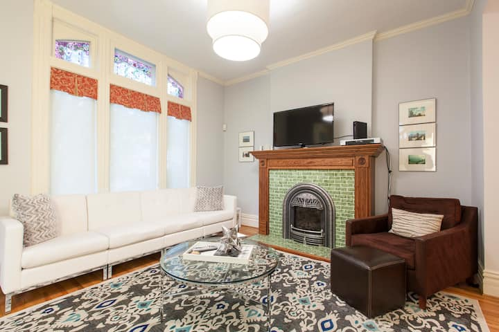 Modern & Victorian - Perfect 4 bed!