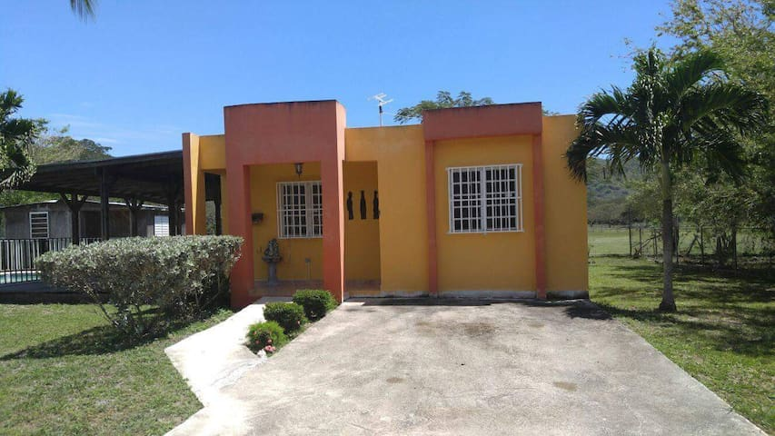 Family house with pool - Cabo Rojo - Maison