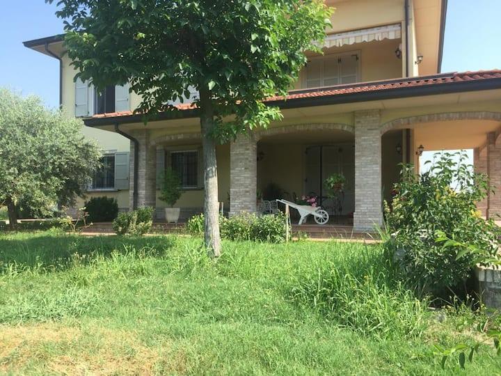 Residenza Maria Luigia  con giardino