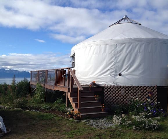 Eco-Friendly Bay View Yurt with Running Water