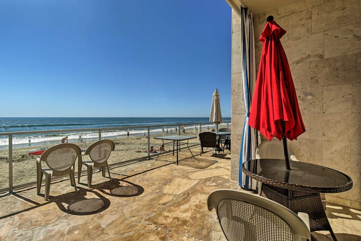 Cozy Beachfront Studio - Walk to Carlsbad Village!