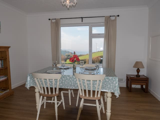 Enjoy a beautiful sea view from your dining/living room.