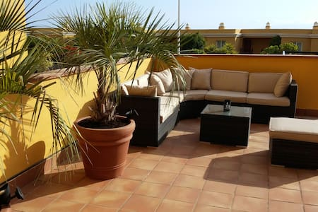 Very large Luxury apt. with garden - Leilighet