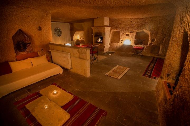 Kaya Odalar - Asmali Cave House