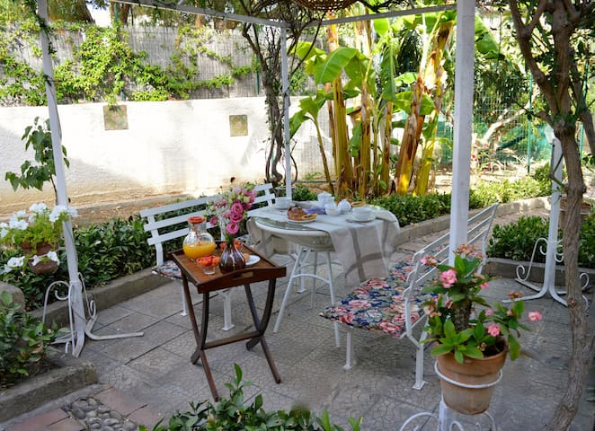 Seaside Villa B&B 5 min from the Valley of Temples