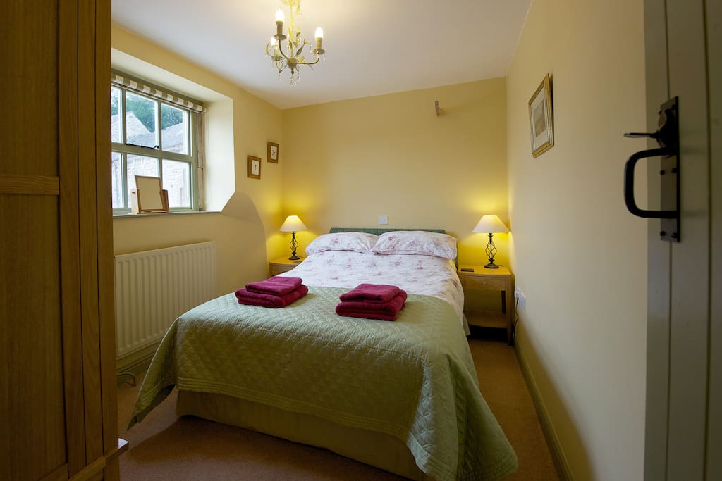 Pinster Cottage Double Bedroom