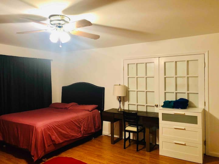 1 bedroom, with a queen bed, private bathroom