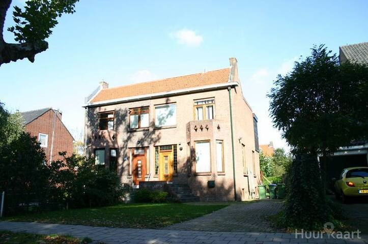 for rent: Villa in Rotterdam - Rotterdam - House
