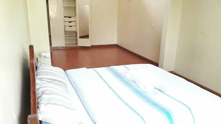 Rooms for 7 people in kilimani