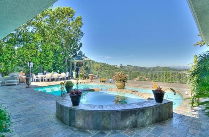 Hollywood Hills Mansion-Guest House