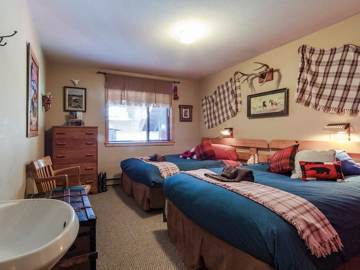 Golden Dreams B&B since 1987: Wild West Room