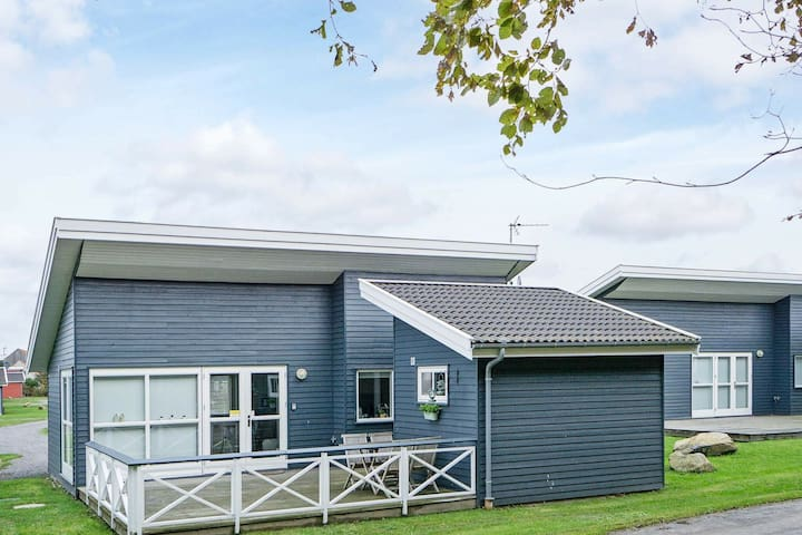 Maison de vacances moderne à Gudhjem avec terrasse