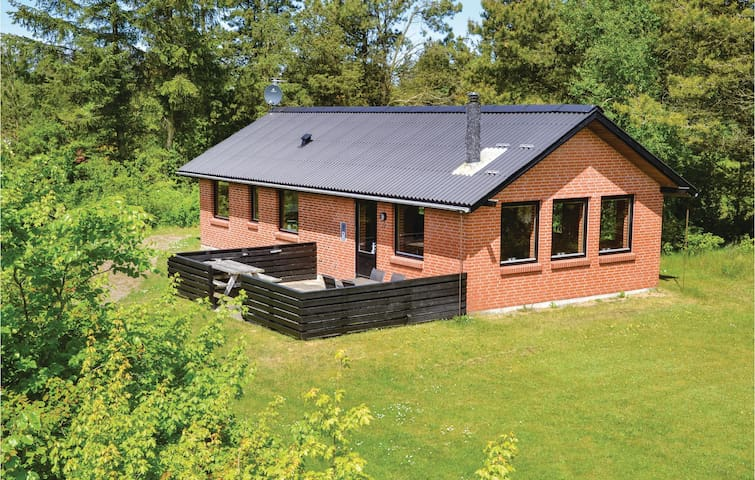 Holiday cottage with 2 bedrooms on 82m² in Hemmet