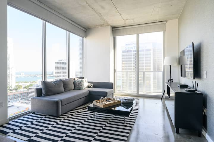Best Location at Downtown Miami!!