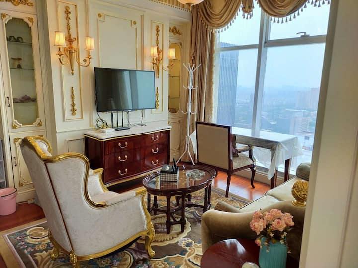 金石国际豪华大床房 34楼最高层76平米的行政套房