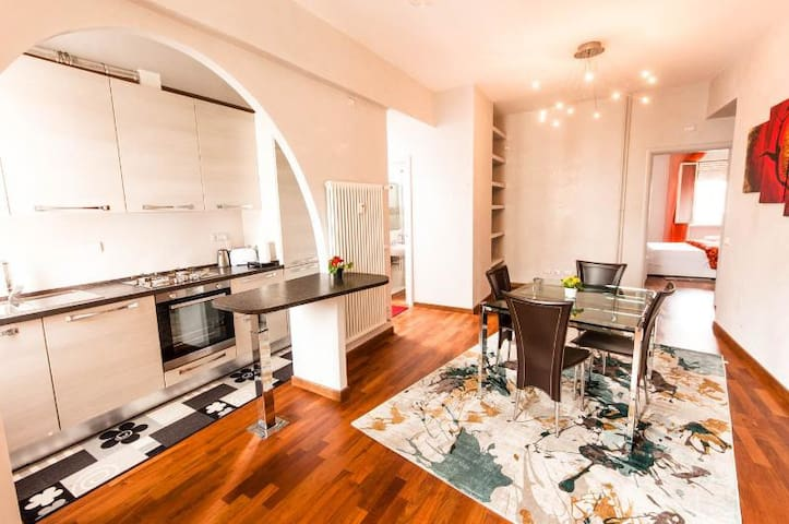 Central & Fashion-Style Appartment with 5 beds