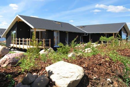 Dänisches Holzferienhaus, 500m zum Ostsee Strand - Zierow - บ้าน