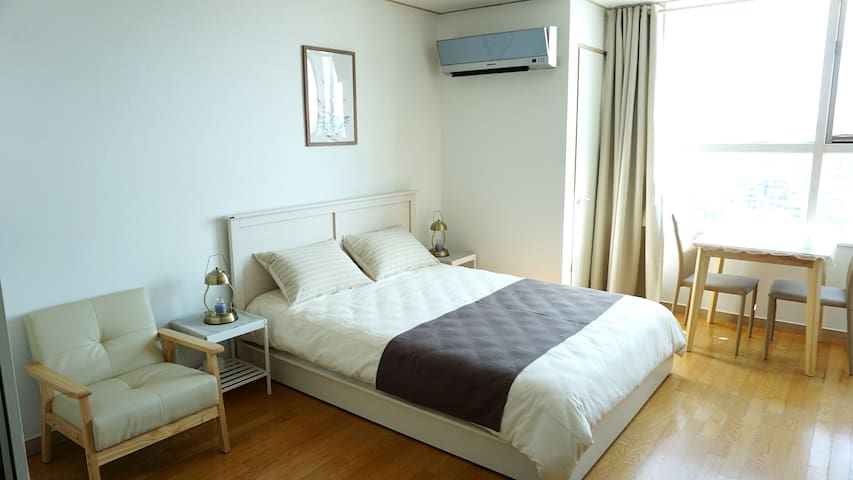 #OPEN SALE# Near Hongdae, Hapjeong, Han-river View