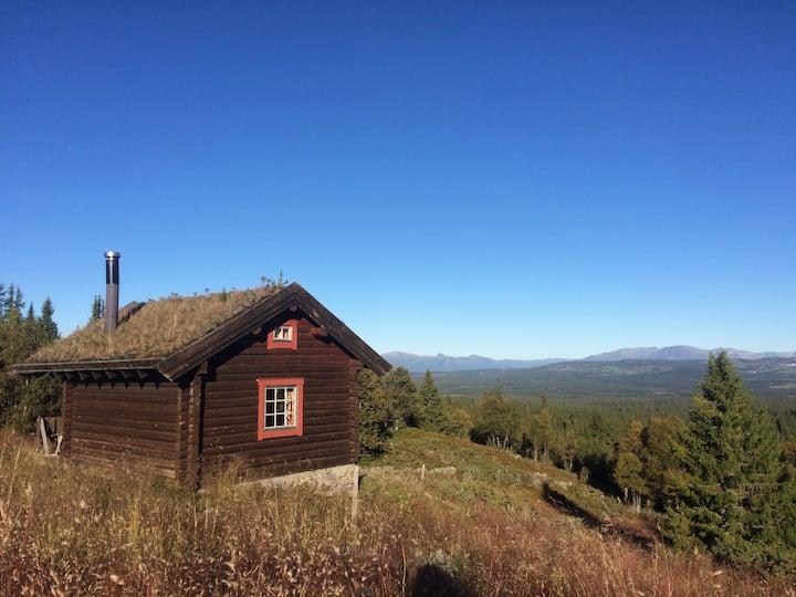 Gjøta, remote cabin and quiet surroundings