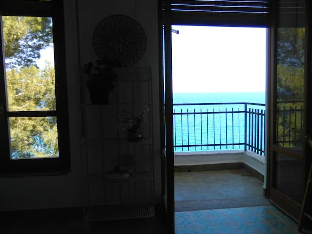 Apartment with 2 bedrooms in Torre Colonna-Sperone, with enclosed garden and WiFi