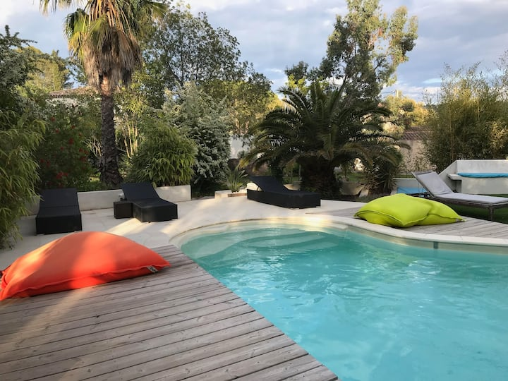 Le Plein Sud, grand rez de jardin avec terrasse