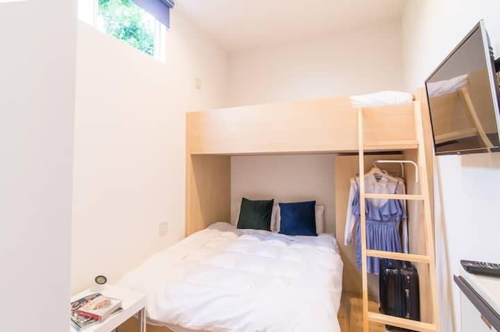 天神大名エリア シンプルなモダンアパートメント18平米