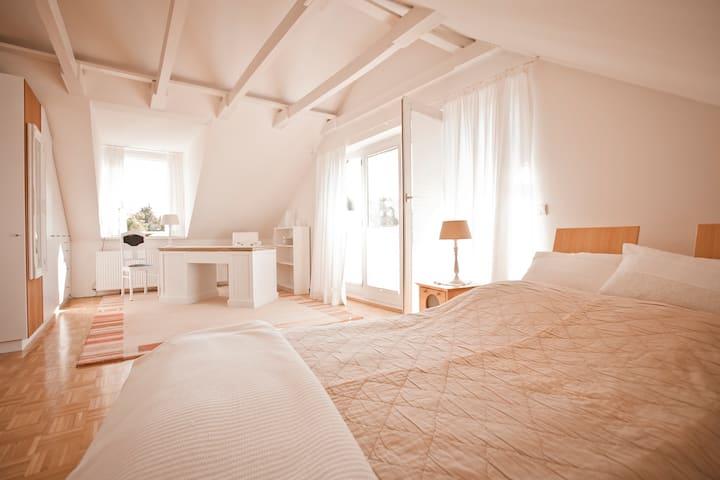 Dachwohnung 60 bis 100qm Traumhaft schön