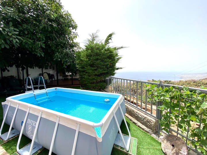 Casa con Piscina Privada en Candelaria