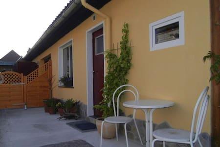 Kleines Appartement für 1 bis 2 Personen - Burgdorf