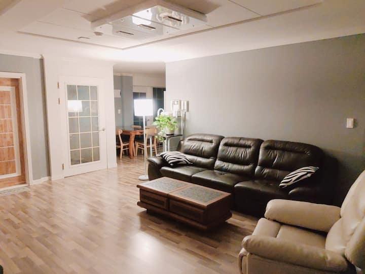 ♤ (신규 오픈 할인)광주 북구 거실+방3개 넓은 집 Cozy house #51