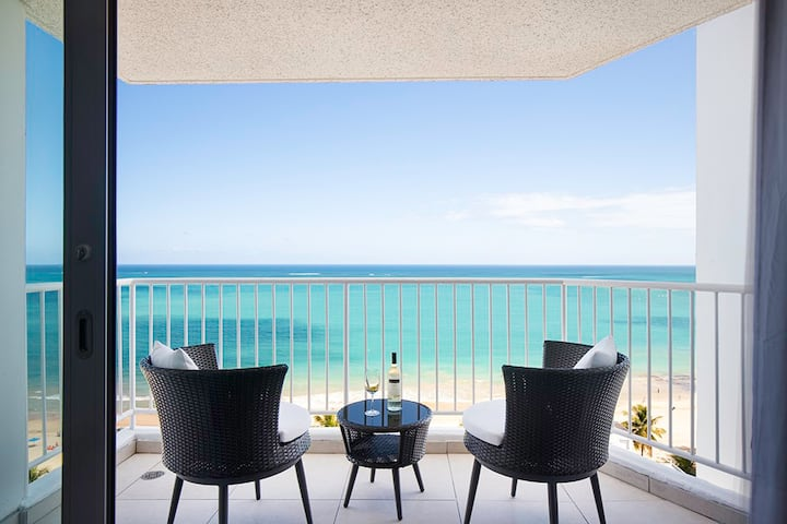 Isla Verde - Beach Front - Relaxing Ocean View!